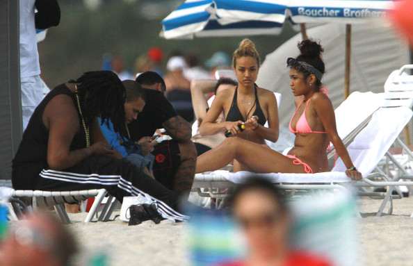 Chris Brown Enjoying A Day At The Beach With Friends []