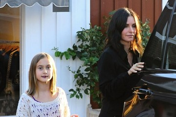 Coco Arquette Courteney Cox & Daughter Coco Shopping At The Brentwood Country Mart