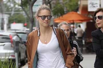 Cody Horn Cody Horn Goes Shopping in Beverly Hills