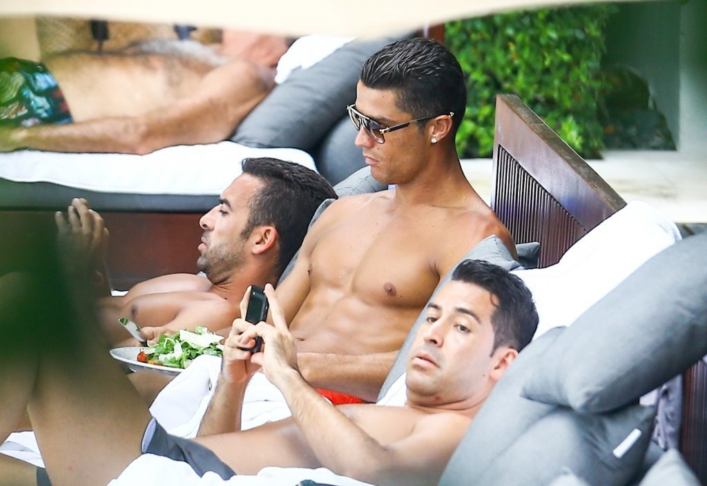 Cristiano Ronaldo Spotted by the Pool in Miami, Florida 07/31/2016