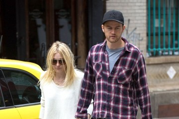 Dakota Fanning Dakota Fanning and Jamie Strachan Take a Stroll
