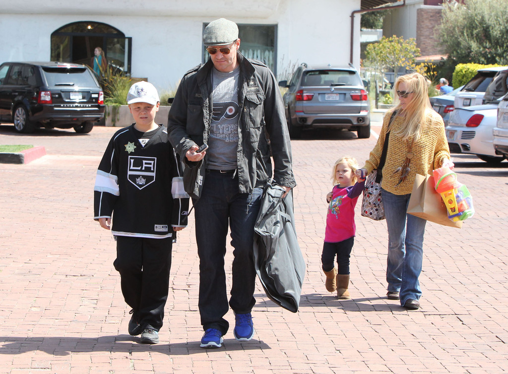 David Boreanaz And Family Out Shopping In Malibu - Zimbio