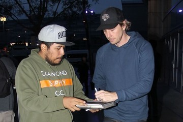 Dax Shepard Celebrities Attend the Los Angeles Lakers Game