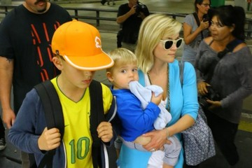 Deacon Phillippe Reese Witherspoon & Her Sons Arriving In Miami