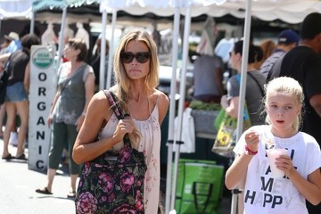 Denise Richards Eloise Richards Denise Richards Enjoys the Farmer's Market With Her Daughters