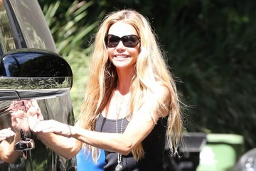 Denise Richards Denise Richards Visits a Friend