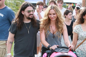 Alabama Jennings Drea de Matteo And Family At The Coachella Music Festival Day 2