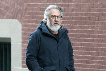 Dustin Hoffman Dustin Hoffman Goes Out for a Stroll in NYC