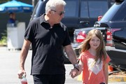 Dustin Hoffman Shops With His Granddaughter In Brentwood