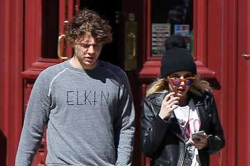 Emma Roberts Emma Roberts & Evan Peters Out and About in NYC