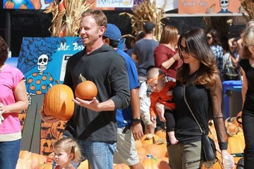 Erin Ludwig Ian Ziering & Family Visit Mr. Bones Pumpkin Patch