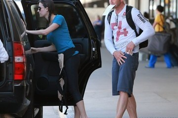 Erin Ludwig Ian Ziering and His Family Arrive in LA