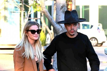 Evan Ross Ashlee Simpson And Evan Ross Go Shopping In West Hollywood