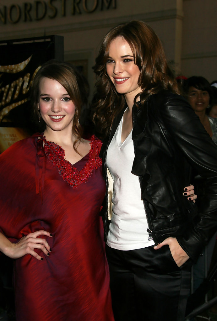danielle panabaker kay panabaker photos fame los