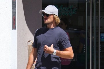 Gabriel Aubry Gabriel Aubry Shopping At The Sherman Oaks Mall