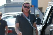 Gavin Rossdale Takes Son Zuma To Visit Gwen At A Studio