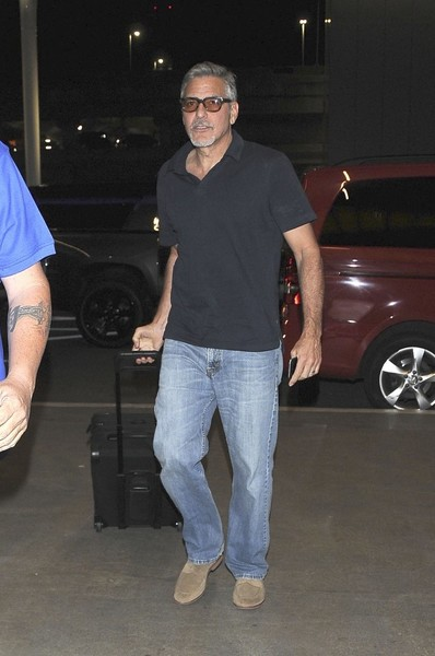 George at LAX, departs for London 03/29/17 George+Clooney+Departs+LAX+UB9GpmruZH-l