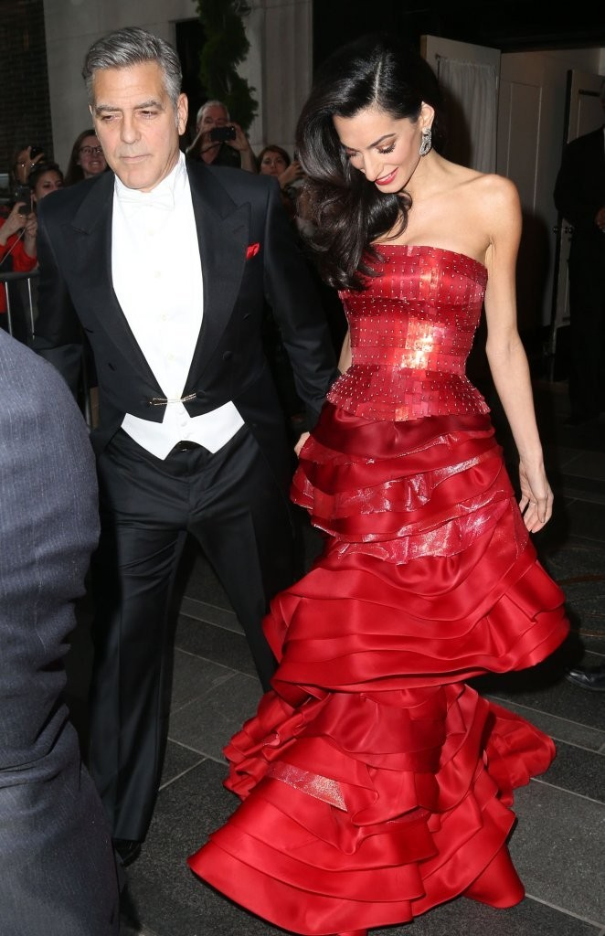 George Clooney at the Met Gala 4th May 2015 - Page 2 George+Clooney+Stars+Head+2015+MET+Gala+e0zavsU8fy5x