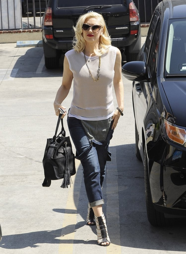 Gwen Stefani Takes Apollo to the Studio