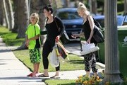 Gwen Stefani Takes Her Kids to a Birthday Party
