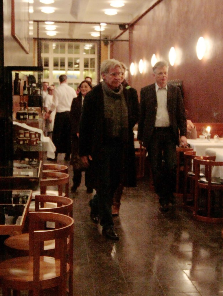 Harrison ford photos photos harrison ford leaving sale e for Sale e tabacchi berlin