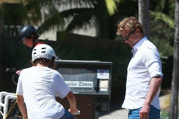 Harry Baker Simon Baker Stops To Fix His Son's Bicycle