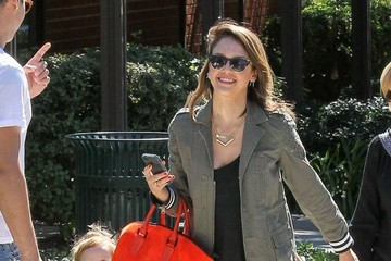 Haven Warren Jessica Alba & Her Family Enjoy A Day At The Park