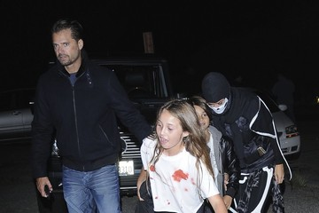 Heaven Charvet Brooke Burke And Family Go Trick Or Treating In Los Angeles