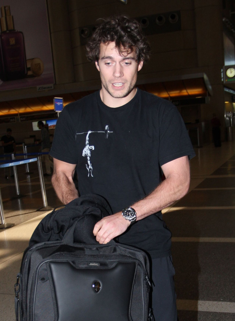 Henry Cavill Photos Photos Henry Cavill Departing On A