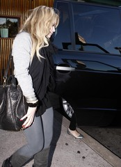 Susan Duff Hilary Duff And Mike Comrie Out For Dinner At Katsuya