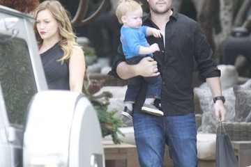 Hilary Duff Mike Comrie Hilary Duff Shops With Her Family