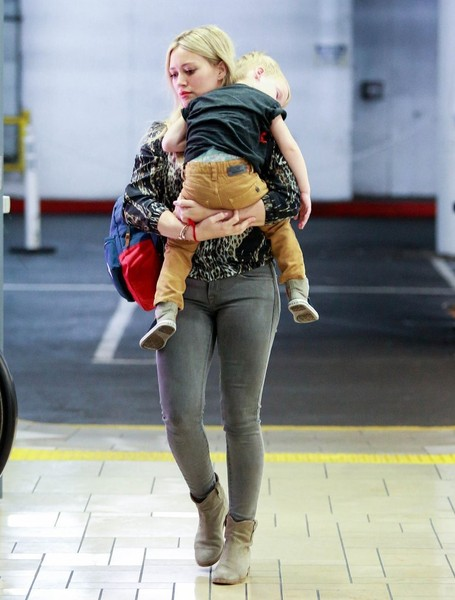 Hilary Duff Takes Her Son To A Build-A-Bear Workshop
