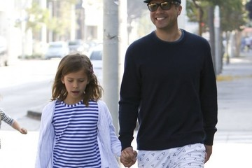 Honor Warren Jessica Alba and Her Family Walk Around West Hollywood