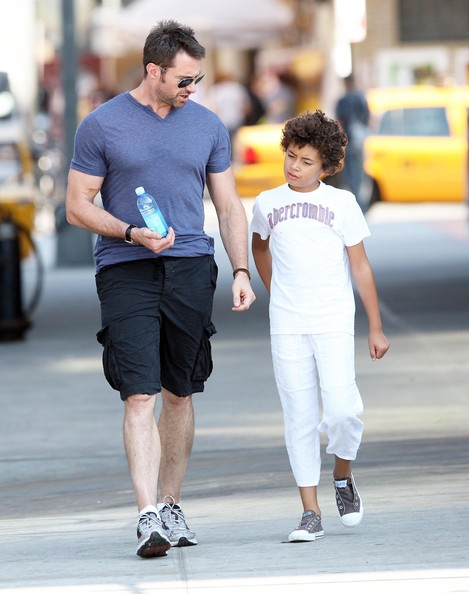 Hugh Jackman And Family Enjoying The Day In New York