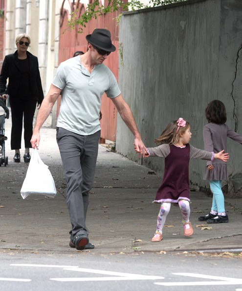 حصري}Hugh Jackman And Family Out In New York City