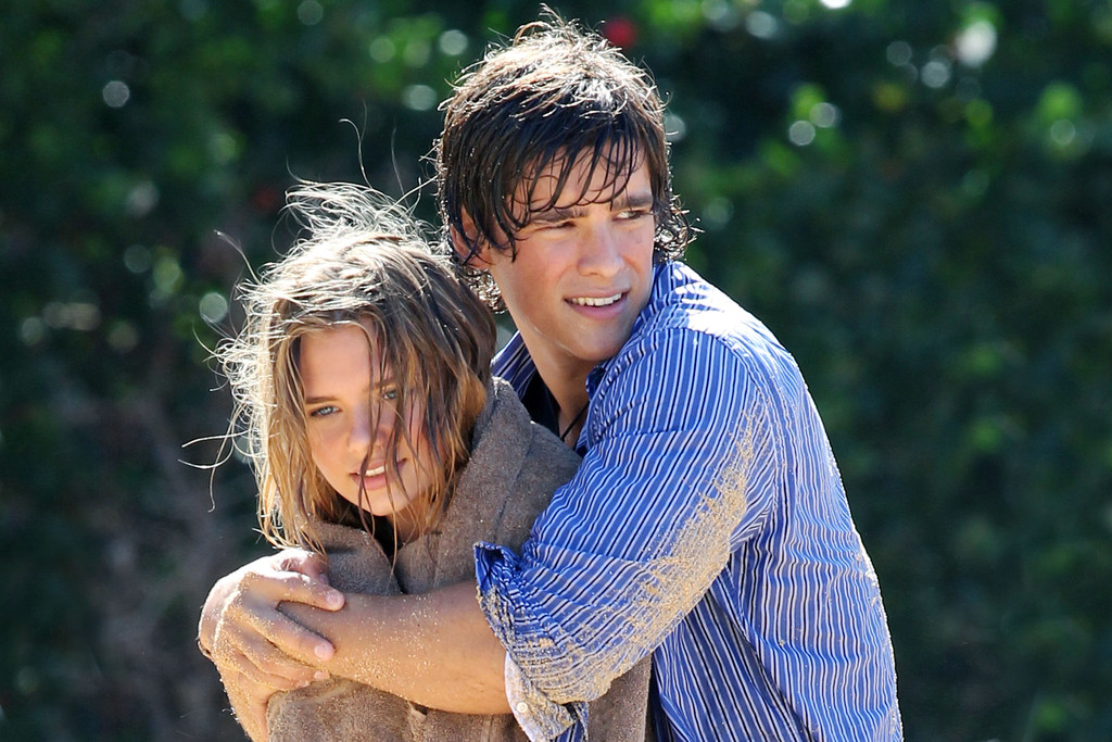 Indiana Evans And Brenton Thwaites Film Blue Lagoon In