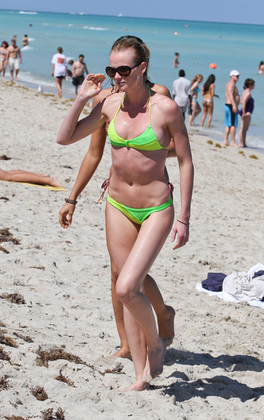 Irina Shayk and Anne Vyalitsyna Get Into A Playful Fight In The Water
