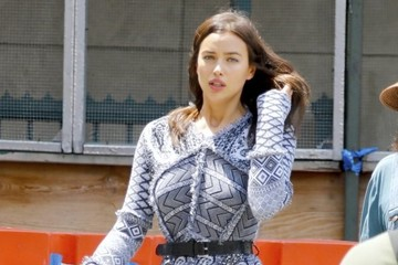 Irina Shayk Irina Shayk Heads to a Photoshoot in NYC