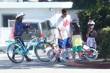 Jackie Sandler Adam Sandler Teaches His Daughter How to Ride a Bike