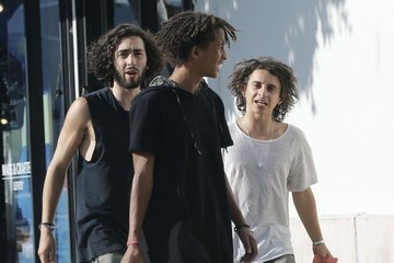 Jaden Smith Jaden Smith Out Shopping With Friends
