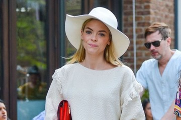 Jaime King Pregnant Jaime King and Family Out for a Stroll in NYC