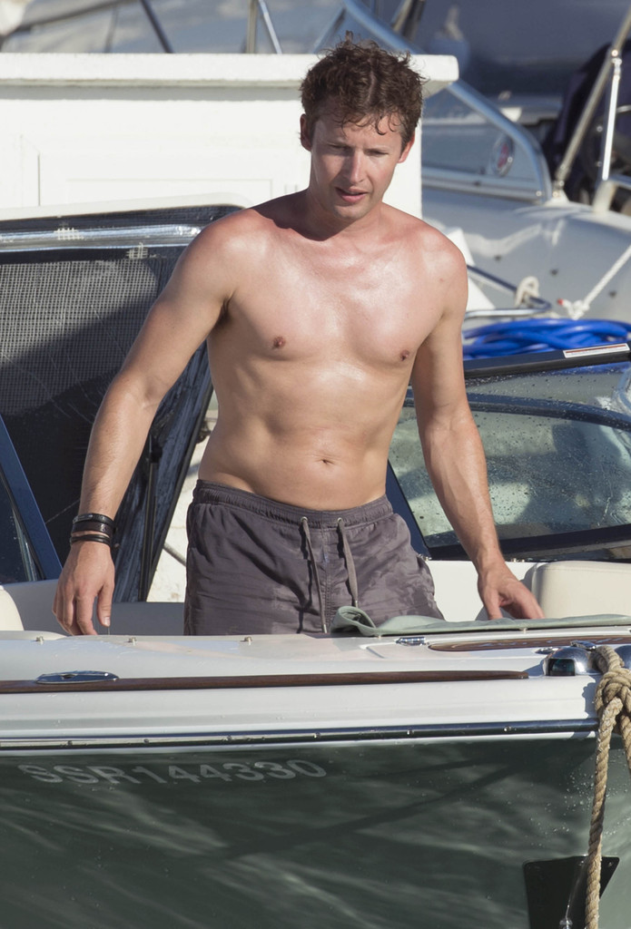 James Blunt Photos»PhotostreamJames Blunt Enjoys His Holiday In Ibiza
