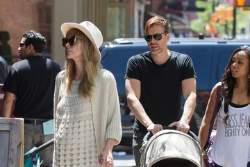 James Newman Pregnant Jaime King and Family Out for a Stroll in NYC