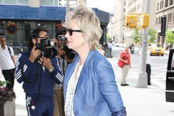 Jane Lynch Jane Lynch Runs Errands in NYC