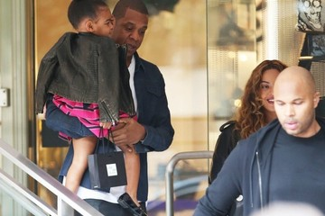 Jay-Z Beyonce Knowles Jay Z and Beyonce Take Blue Ivy Shopping