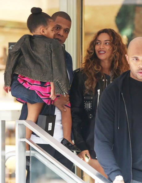 Jay Z and Beyonce Take Blue Ivy Shopping