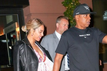 Jay-Z Beyonce Knowles Beyonce and Jay-Z Go Out for Dinner in NYC