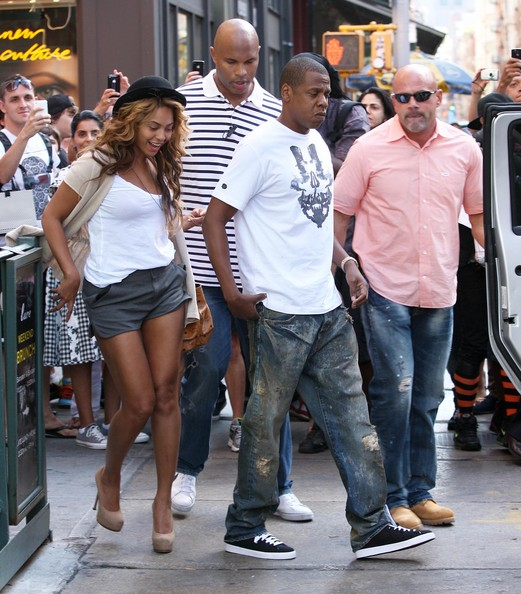 Jay-Z and Beyonce seen leaving Lure restaurant along with two bodyguards in ...