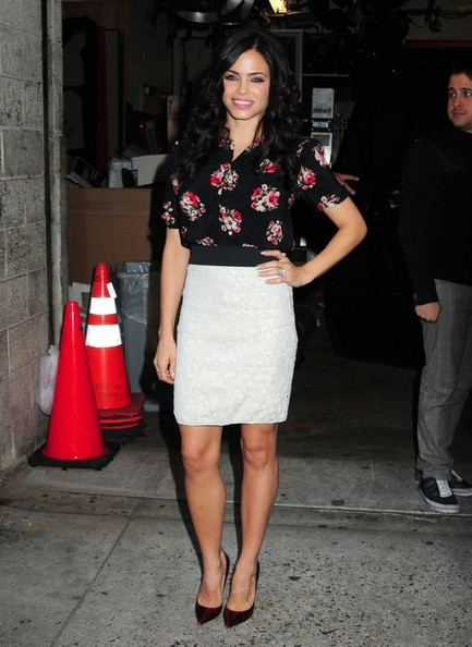 Actress Jenna Dewan-Tatum poses for pictures outside the 'Live with Kelly & Michael' studio after promoting her Lifetime show, 'Witches of East End' on October 24th, 2013 in New York City, New York.
