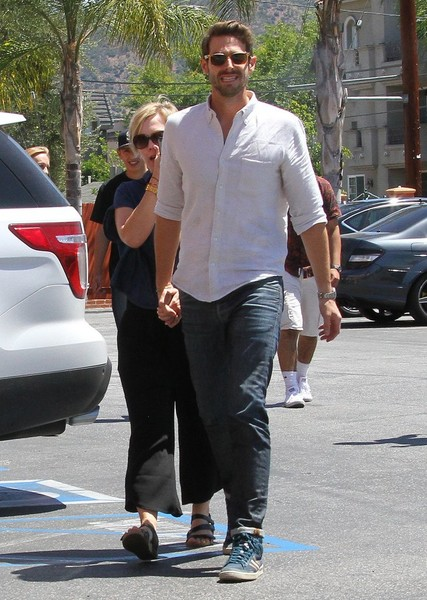 Jennie Garth and David Abrams Stop by Marshall's